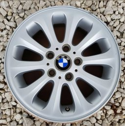 BMW Style 139 Radialspeiche Felge in 6.5x16 ET 42 mit Bridgestone Blizzak LM32 RFT Reifen in 195/55/16 montiert hinten Hier auf einem 1er BMW E88 118i (Cabrio) Details zum Fahrzeug / Besitzer
