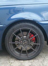 Autec Wizard W8018 Felge in 8x18 ET 45 mit Maxxis VICTRA Sport Zero One Reifen in 255/35/18 montiert hinten mit folgenden Nacharbeiten am Radlauf: Kanten gebördelt Hier auf einem 3er BMW E46 330i (Cabrio) Details zum Fahrzeug / Besitzer