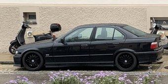 ROD  Felge in 8x17 ET 35 mit Toyo Winterreifen Reifen in 215/45/17 montiert vorn mit 3 mm Spurplatten Hier auf einem 3er BMW E36 316i (Limousine) Details zum Fahrzeug / Besitzer