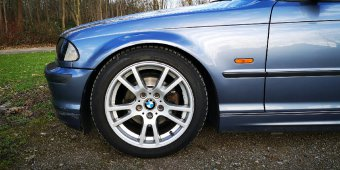 BMW Styling 354 Felge in 8x17 ET 45 mit Hankook W320B Reifen in 225/45/17 montiert vorn mit 5 mm Spurplatten Hier auf einem 3er BMW E46 318i (Limousine) Details zum Fahrzeug / Besitzer