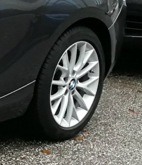 BMW Y Speiche 380 Felge in 7x17 ET 40 mit Continental Continental WinterContact TS 830 P* RSC SSR Reifen in 205/50/17 montiert hinten Hier auf einem 1er BMW F21 116d (3-türer) Details zum Fahrzeug / Besitzer