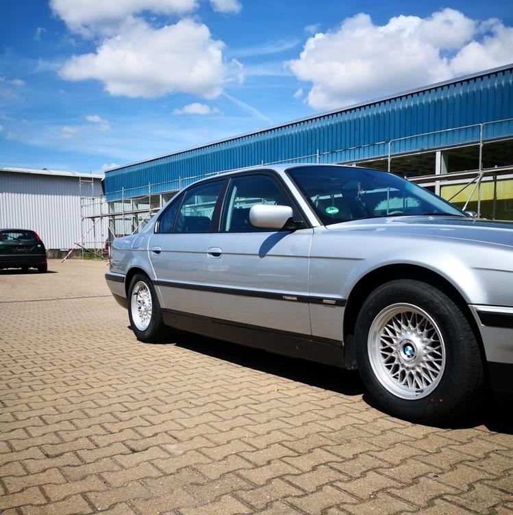 E38, 728i - Fotostories weiterer BMW Modelle
