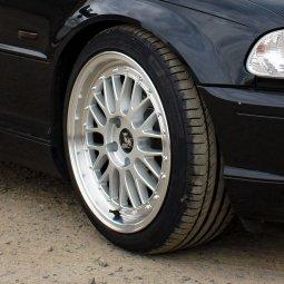 - Eigenbau - Tiefbett Felge in 8.5x18 ET 35 mit Continental Sportcontact 5 Reifen in 225/40/18 montiert vorn Hier auf einem 3er BMW E46 318i (Coupe) Details zum Fahrzeug / Besitzer