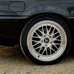 - Eigenbau - Tiefbett Felge in 8.5x18 ET 35 mit Continental Sportcontact 5 Reifen in 225/40/18 montiert hinten Hier auf einem 3er BMW E46 318i (Coupe) Details zum Fahrzeug / Besitzer