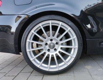 O.Z Racing Felge in 9.5x19 ET 19 mit - Eigenbau - Conti Sport Contact 5 Reifen in 265/30/19 montiert hinten und mit folgenden Nacharbeiten am Radlauf: Kanten gebördelt Hier auf einem 1er BMW E82 135i (Coupe) Details zum Fahrzeug / Besitzer