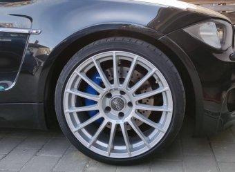 O.Z Racing Felge in 8.5x19 ET 13 mit - Eigenbau - Sport Contact Reifen in 235/35/19 montiert vorn mit 10 mm Spurplatten Hier auf einem 1er BMW E82 135i (Coupe) Details zum Fahrzeug / Besitzer