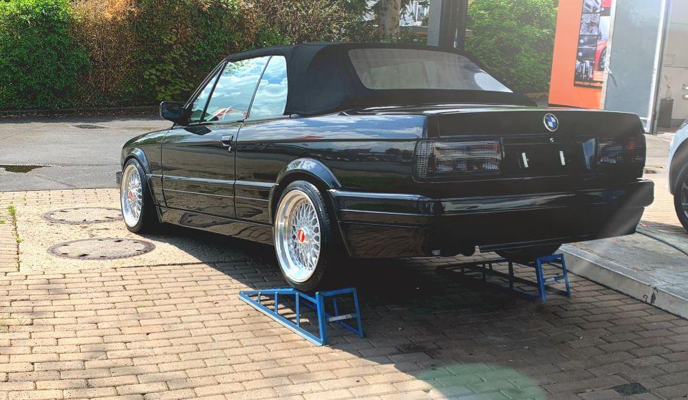 BMW 325 Cabrio M-Technik II (Black Edition) - 3er BMW - E30