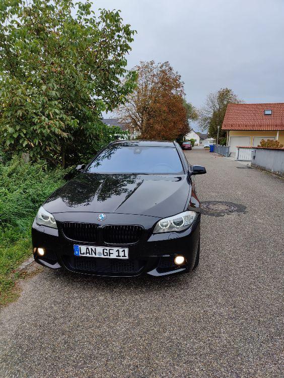Black F11 530D - 5er BMW - F10 / F11 / F07