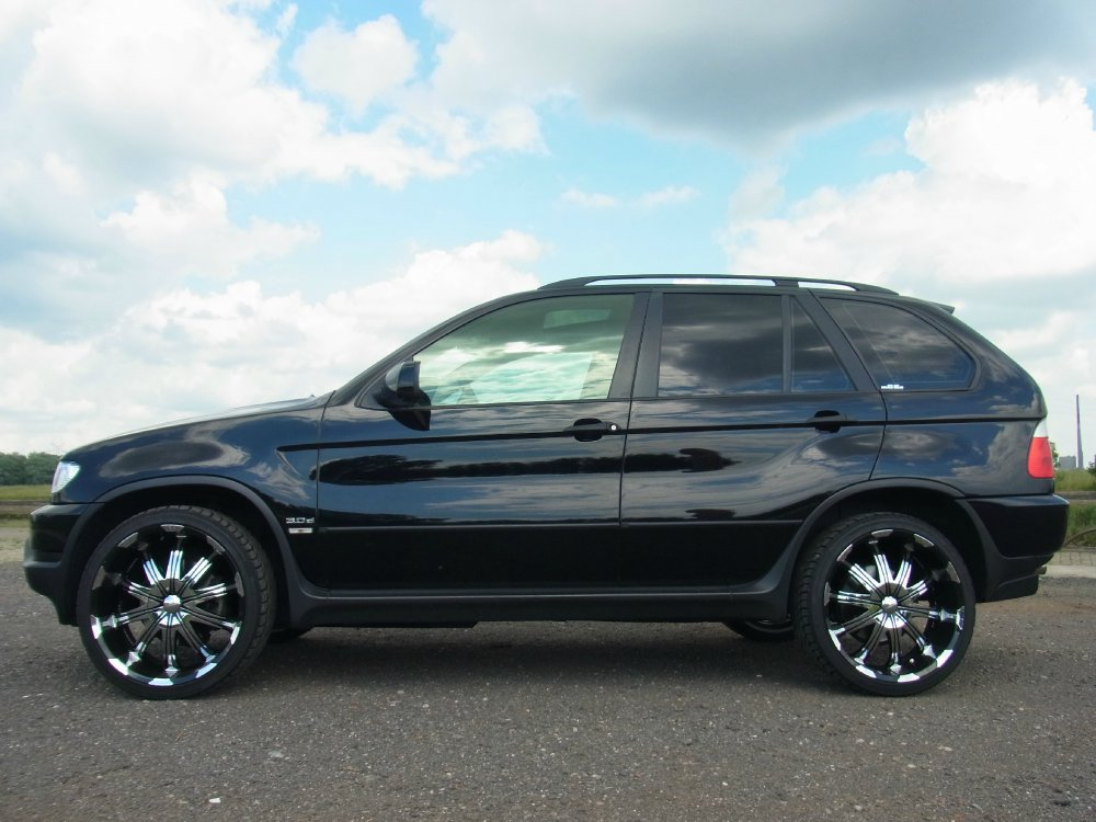 x5 with 22 in black bmw x1 x3 x5 x6 x5 tuning. Black Bedroom Furniture Sets. Home Design Ideas