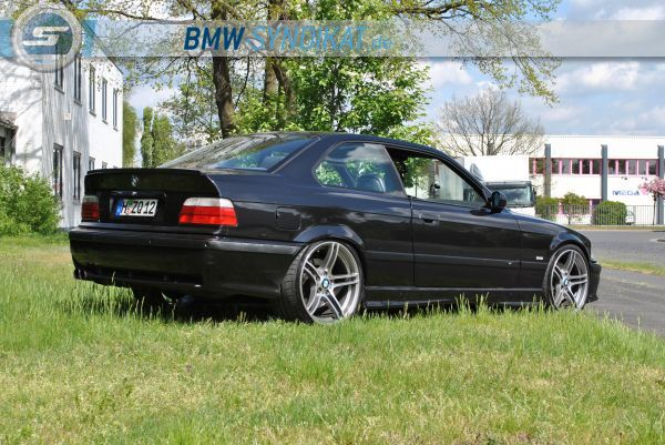e36 m3 3 2 mit bmw perfomance felgen 3er bmw e36 m3. Black Bedroom Furniture Sets. Home Design Ideas
