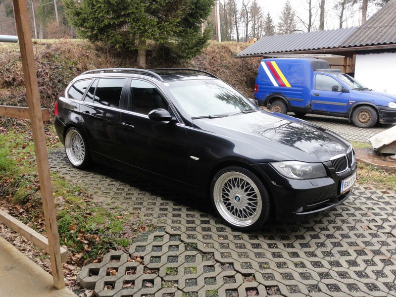 BMW 330xi Touring - 3er BMW - E90 / E91 / E92 / E93
