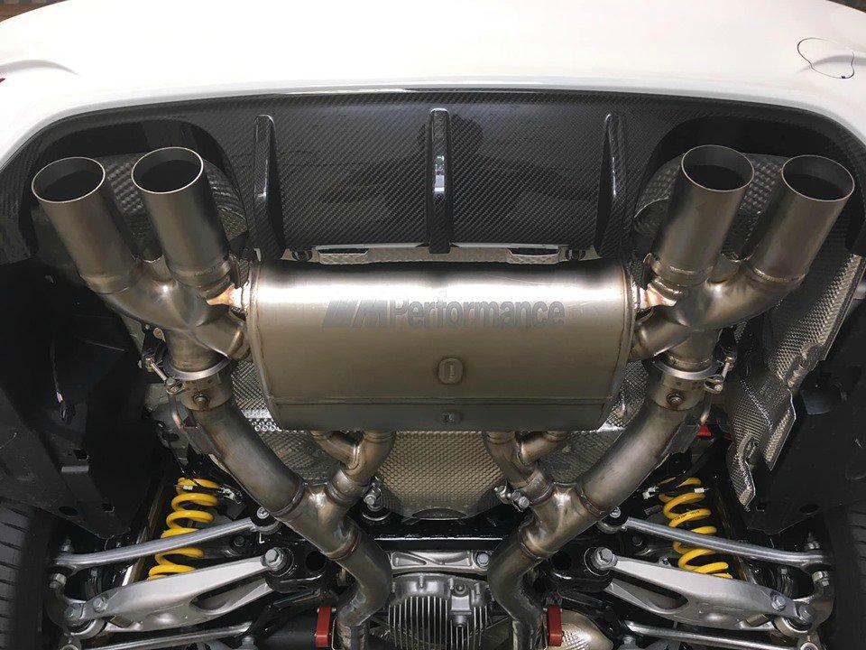 BMW M4 CS - 4er BMW - F32 / F33 / F36 / F82