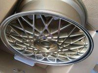 Kleiner im neuen Dress - 3er BMW - E30 - 40928042_1628754817250089_8526509723313242112_n.jpg
