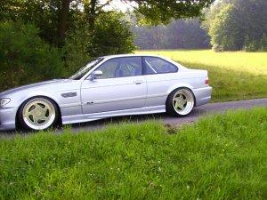 CarLine CM 6 Felge in 11x18 ET 2 mit Dunlop sp9000 Reifen in 265/30/18 montiert hinten mit 20 mm Spurplatten und mit folgenden Nacharbeiten am Radlauf: massive Aufweitung Hier auf einem 3er BMW E36 328i (Coupe) Details zum Fahrzeug / Besitzer