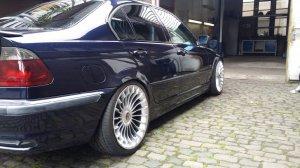 Alpina Classic 3 Felge in 9.5x19 ET 37 mit Continental  Reifen in 265/30/19 montiert hinten mit folgenden Nacharbeiten am Radlauf: gebördelt und gezogen Hier auf einem Alpina BMW E46 B3 3.3 (Limousine) Details zum Fahrzeug / Besitzer
