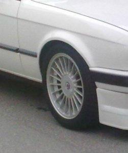 Alpina  Felge in 7x16 ET 28 mit - NoName/Ebay -  Reifen in 205/50/16 montiert vorn Hier auf einem 3er BMW E30 325i (2-Türer) Details zum Fahrzeug / Besitzer