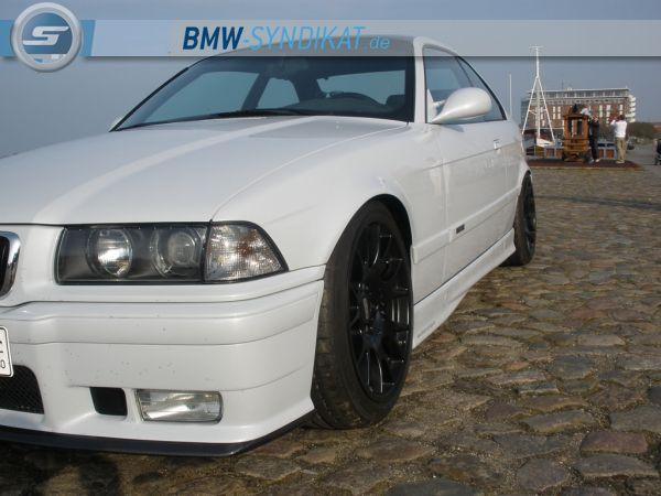 328i Coupe Perlefektweiß und Carbon - 3er BMW - E36