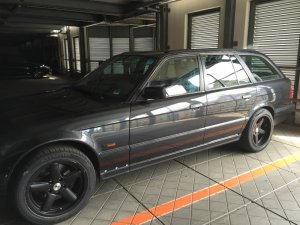 RH Felgen Performance Felge in 8x17 ET 10 mit kumho Sport Reifen in 235/45/17 montiert vorn Hier auf einem 5er BMW E34 520i (Touring) Details zum Fahrzeug / Besitzer