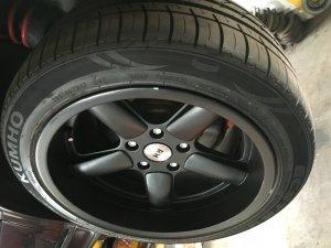 RH Felgen Performance Felge in 10x17 ET 17 mit kumho Sport Reifen in 255/40/17 montiert hinten Hier auf einem 5er BMW E34 520i (Touring) Details zum Fahrzeug / Besitzer