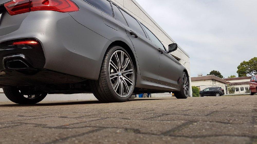 BMW 5er G31 530d M-Paket matt grau metallic - 5er BMW - G30 / G31 und M5