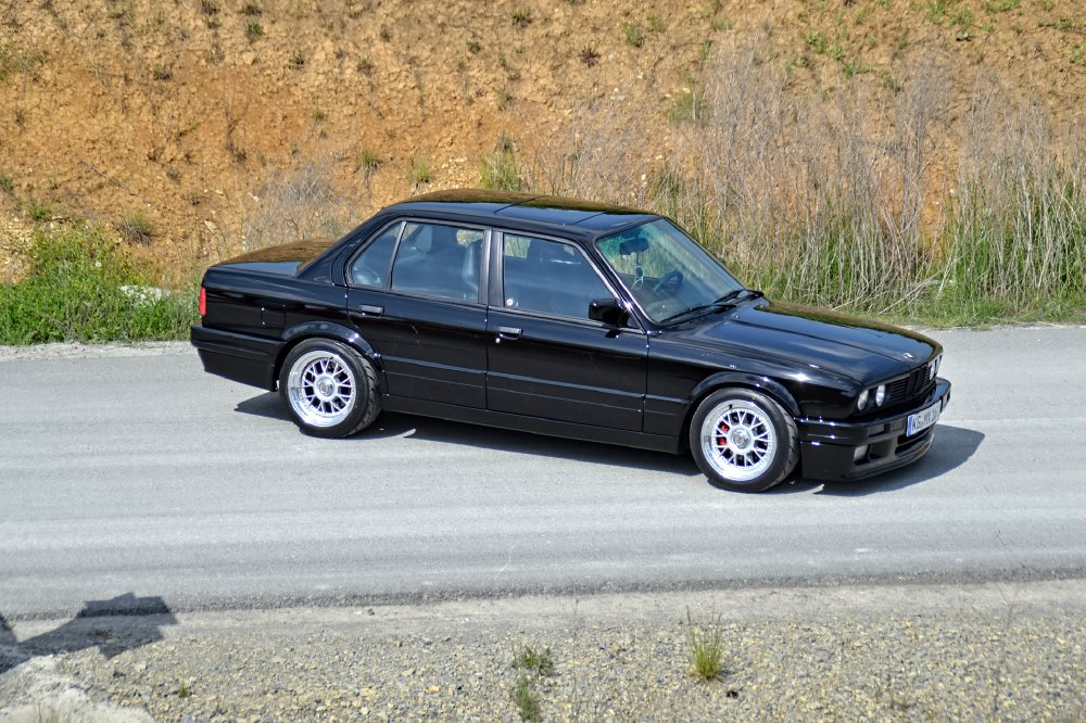 bmw e30 328i saison 2015 3er bmw e30 4 t rer. Black Bedroom Furniture Sets. Home Design Ideas