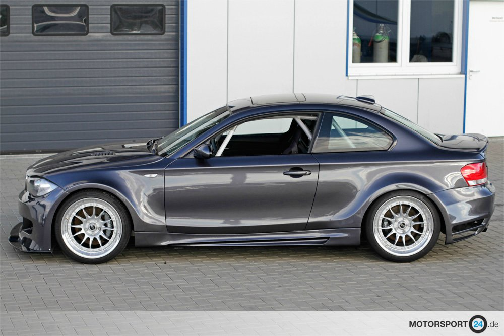bmw 135i clubsport von 430 ps heizen ordentlich auf automobil und bmw news. Black Bedroom Furniture Sets. Home Design Ideas