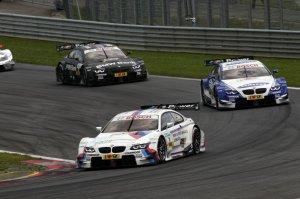 BMW-News-Blog: 4219_ELI_-_eine_besondere_Geste__BMW_Group_zeichnet_BMW_M_Performance_M3_DTM_mit_42_Raedern