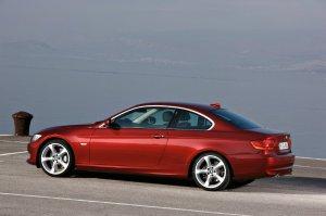 BMW-News-Blog: Grosse_Rueckrufaktion_bei_BMW__570_000_Fahrzeuge_aus_Kanada_und_den_USA_muessen_in_die_Werkstaetten