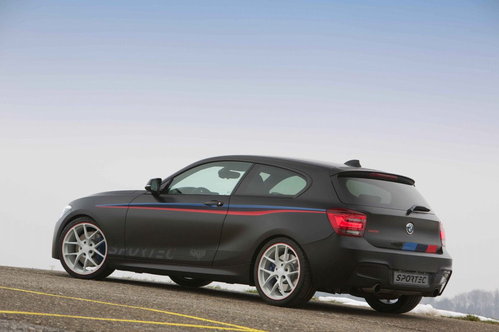 sportec bmw m135i tuning in genf mit 370 ps automobil. Black Bedroom Furniture Sets. Home Design Ideas