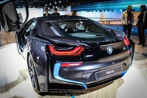 BMW-News-Blog: Weltpremiere__BMW_zeigt_offiziellen_Plug-In-Hybrid_i8_auf_der_IAA_2013