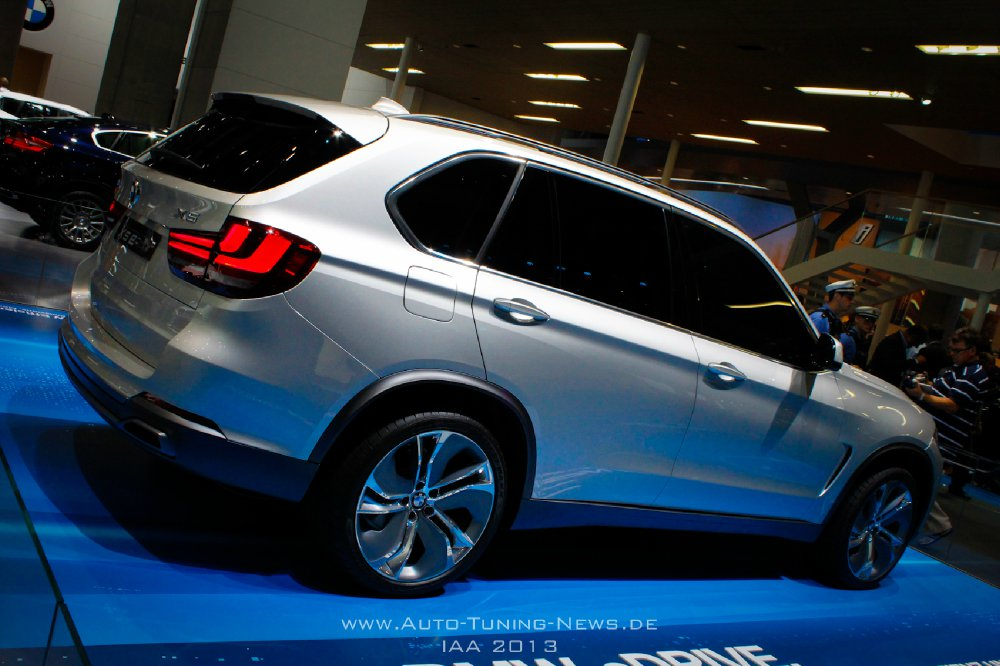 bmw concept x5 edrive suv mit hybridantrieb auf der iaa. Black Bedroom Furniture Sets. Home Design Ideas