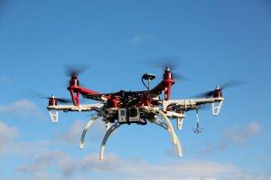 BMW-News-Blog: Drohnen und Multicopter regeln den Verkehr - BMW-Syndikat