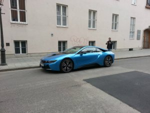 BMW-News-Blog: BMW i8 in Crystal White und Protonic Blue: Wie gef - BMW-Syndikat