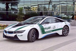BMW-News-Blog: Dubais Polizei: Nobel-Fuhrpark wird um BMW i8 erwe - BMW-Syndikat