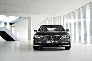 BMW-News-Blog: Vier statt drei: Quadturbo-Diesel f�r BMW 7er und - BMW-Syndikat