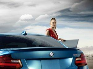 """BMW-News-Blog: """"Eyes On Gigi"""": Neue Kampagne zum BMW M2 Coupé (F8 - BMW-Syndikat"""