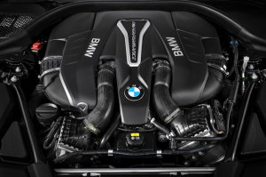 BMW-News-Blog: ​BMW 5er M550i xDrive (G30): V8-Power mit 46 - BMW-Syndikat