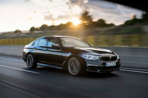 BMW-News-Blog: __8203_BMW_5er_M550i_xDrive__G30___V8-Power_mit_462_PS