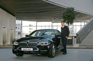 BMW-News-Blog: Erste Auslieferung der neuen BMW 5er Limousine in - BMW-Syndikat
