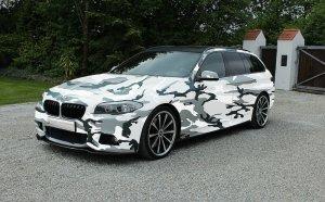 BMW-News-Blog: BMW 5er F11 Touring: Camouflage-Folierung für Komb - BMW-Syndikat