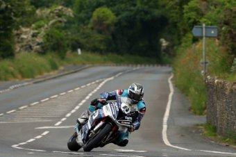 BMW-News-Blog: Isle of Man TT: Peter Hickman siegt mit BMW S 1000 - BMW-Syndikat