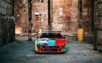 BMW-News-Blog: Fotoshooting_mit_dem_BMW_M1_Art_Car_von_Andy_Warhol