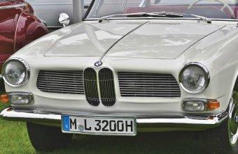 BMW-News-Blog: Kfz-Kennzeichen: Vorschriften und die richtige Anb - BMW-Syndikat