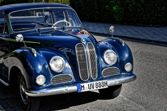 BMW-News-Blog: Was wird durch eine Oldtimer-Versicherung abgedeck - BMW-Syndikat